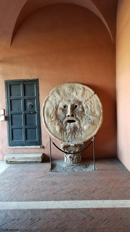 イタリア ローマ 真実の鏡