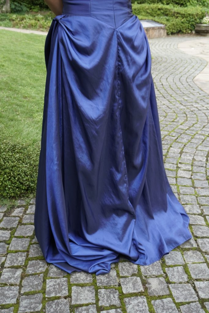 ロックハート城 青のドレス